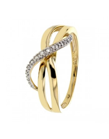 Ring pave set diamonds in 9 K gold