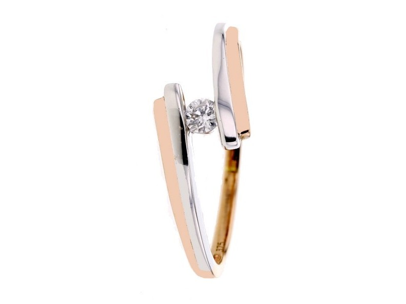 Solitaire bicolore avec un diamant en or rose