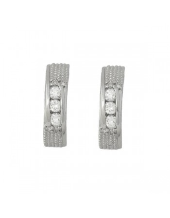Light stud solitaire diamond earrings in 18 K gold