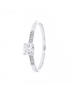 Bague solitaire diamant accompagné en or blanc