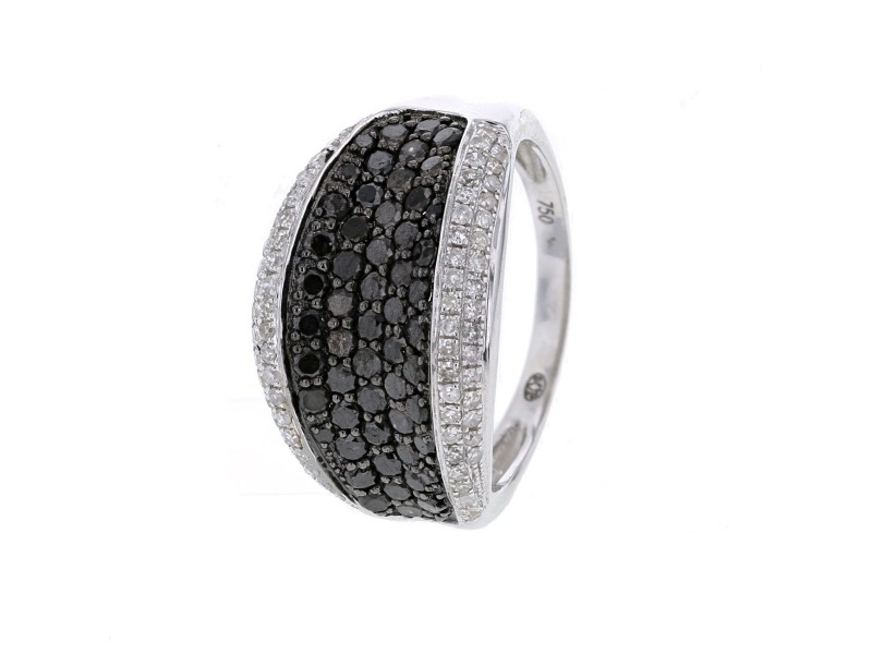 Microset black and white diamonds ring in 18 K gold