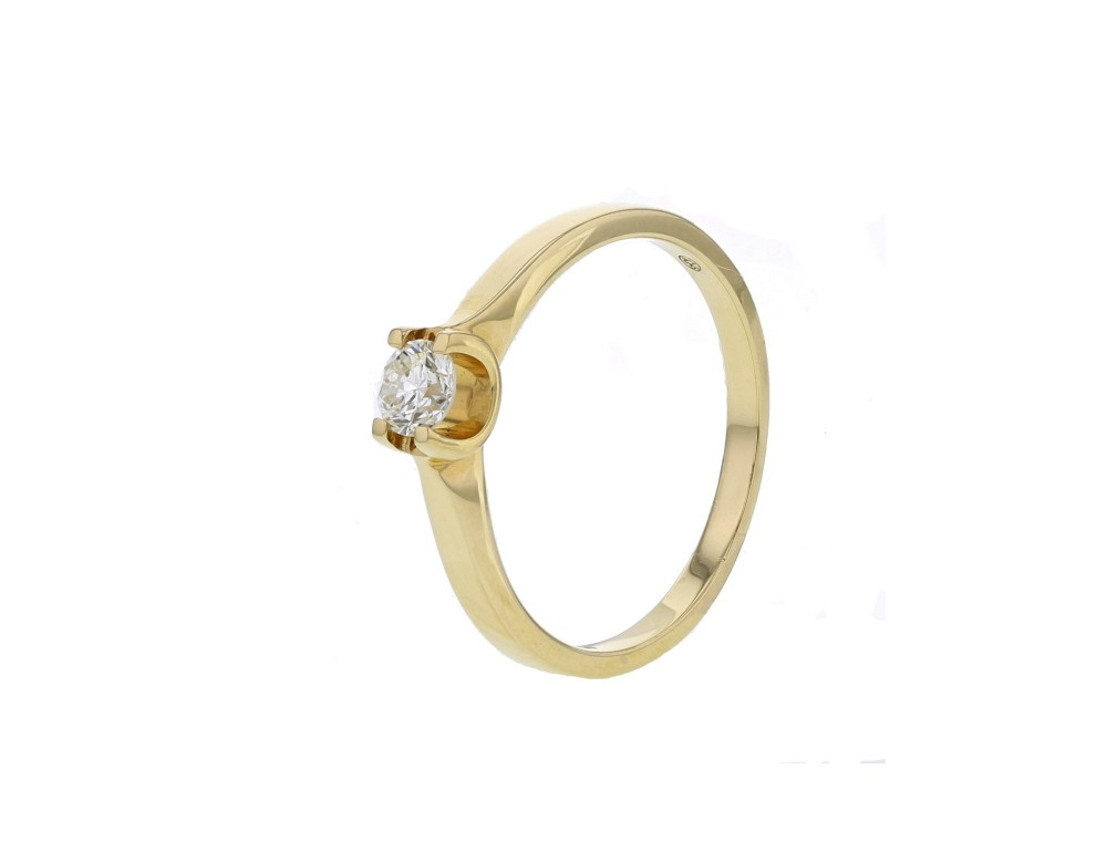 engagement ring solitaire diamond engagement ring in 18 k gold. Black Bedroom Furniture Sets. Home Design Ideas