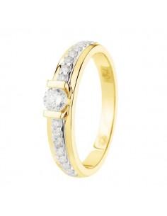 Bague solitaire diamant accompagné en or jaune