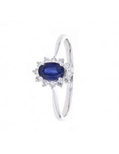 Diamond halo classic sapphire ring in 18 K gold