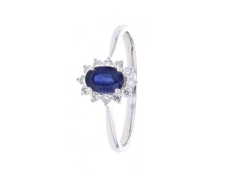 Diamond halo classic sapphire ring in 18 K gold