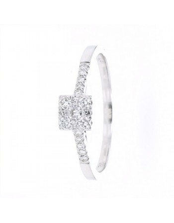 Illusion set square shape diamonds ring in 18 K gold