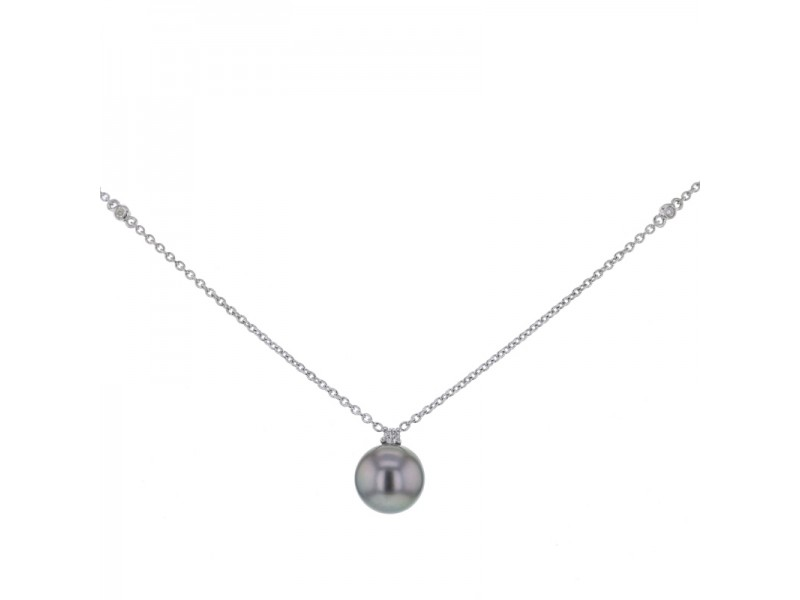 Tahiti pearl and diamond necklace in 9 K gold