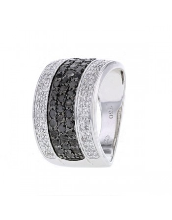 Three rows ring with white and black diamonds in 18 K gold
