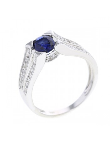 Star set sapphire diamond sided ring in 18 K gold