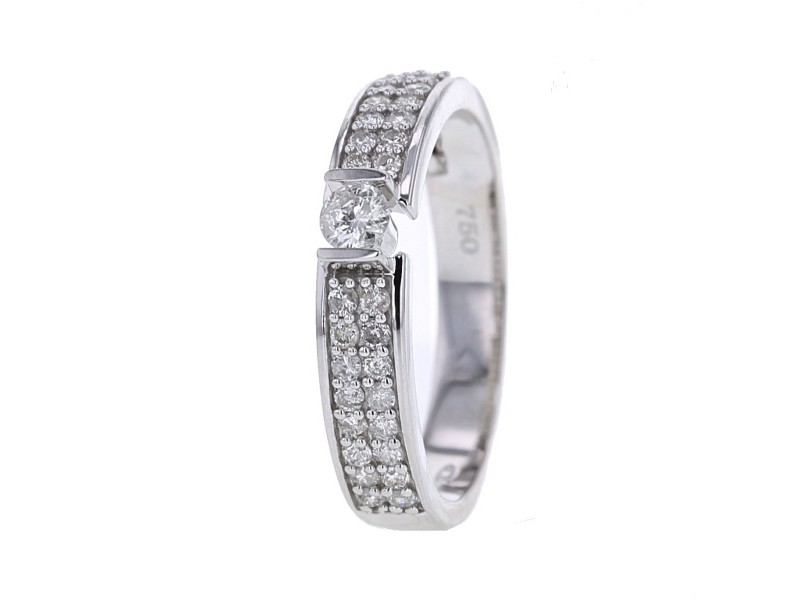 Bague pavé solitaire diamants en or blanc