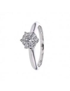 Cluster diamond ring in 18 K gold