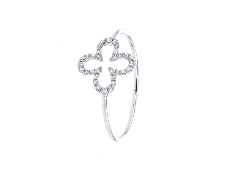 Four-leaf clover ring with diamonds in 18 K gold