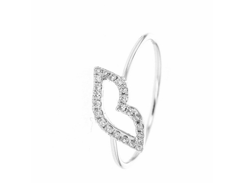 Smart kiss ring pave set in 18 K gold
