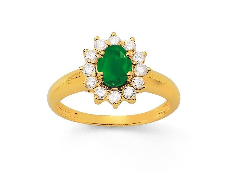 Bague emeraude entourage de diamants en or jaune