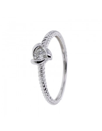 Twist diamond solitaire ring in 9 K gold