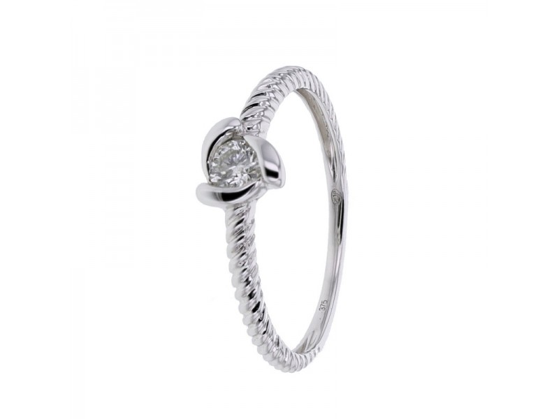 Bague solitaire diamant torsadé en or blanc