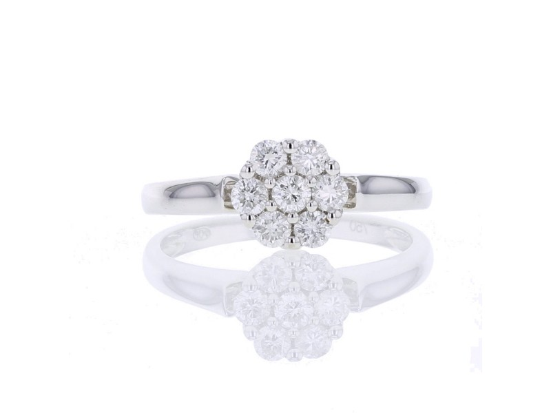 Multi-pierre cluster diamond engagement ring in 18 K gold