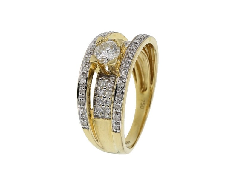 Diamond sided soltiaire ring in 18 K gold