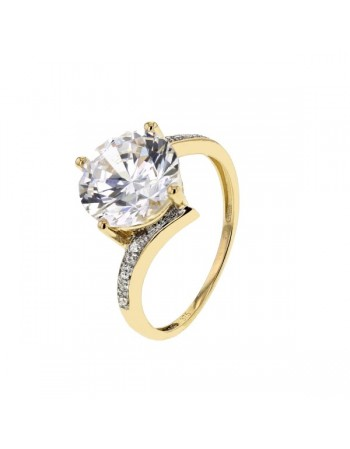 Diamond sided impressive cz solitaire ring in 9 K gold