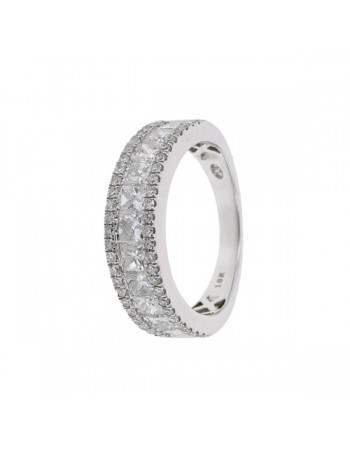 Bague style alliance avec diamants princesse en or blanc