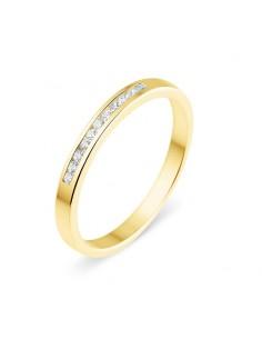 Alliance semi-empierrée diamants sertis entre deux rails en or jaune