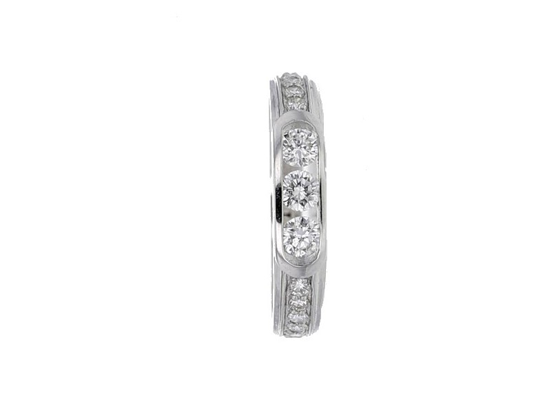 Wedding band with diamonds in 18 K gold