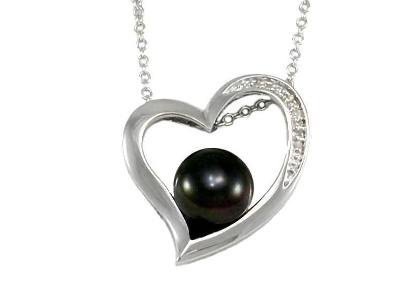 Black pearl and diamonds necklace in silver