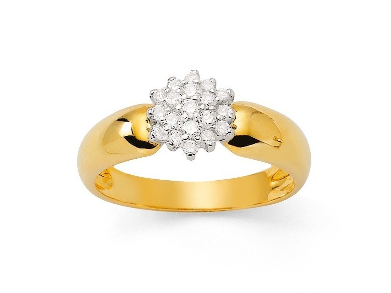 Diamond cluster two-colour ring in 18 K gold