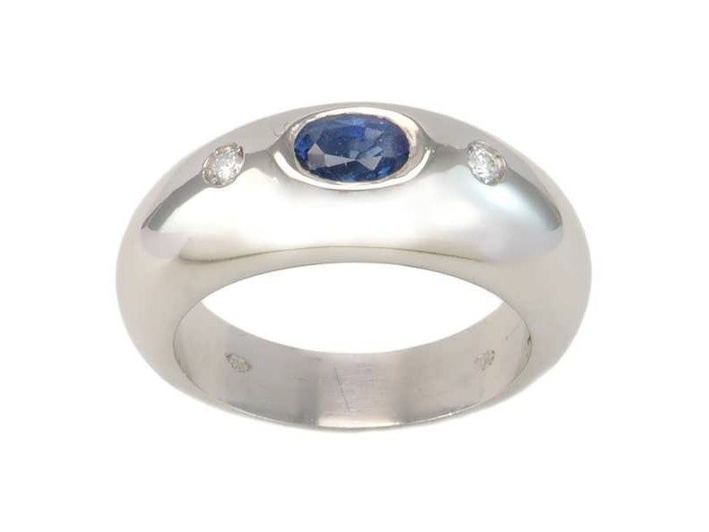 Ring with sapphire and diamonds in platinium