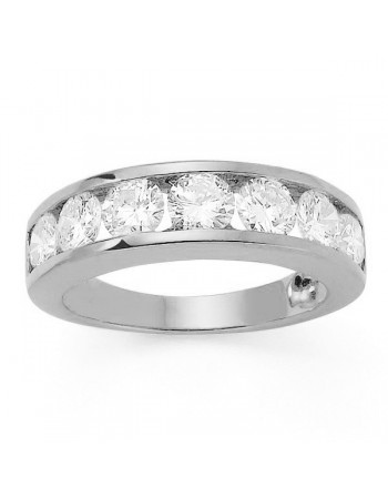 Channel set diamond wedding ring in 18 K gold