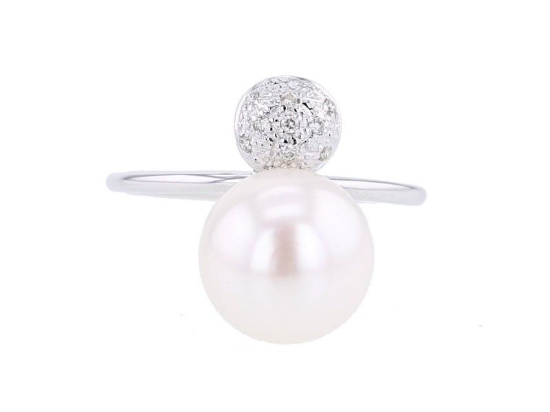 Round pave set cushion ring with freshwater pearl in 9 K gold